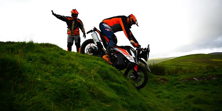 Tech-Grass-Downhill-750-1x2